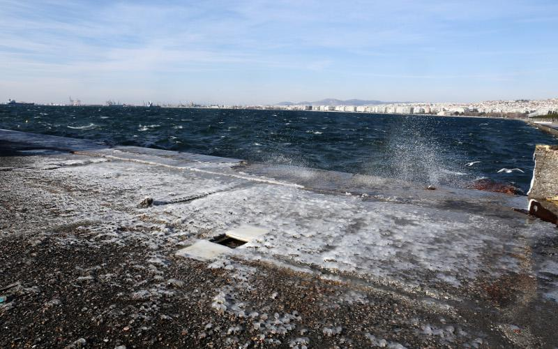 xion_thes2 Ανυποχώρητος ο χιονιάς - Τρεις νεκροί και τεράστια προβλήματα σε όλη τη χώρα [εικόνες]