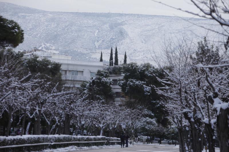 xionia-athina-kentro-topio-entiposiakes-eikones-1 Δέκα «κλικ» για την άσπρη μέρα της Αθήνας [εικόνες]