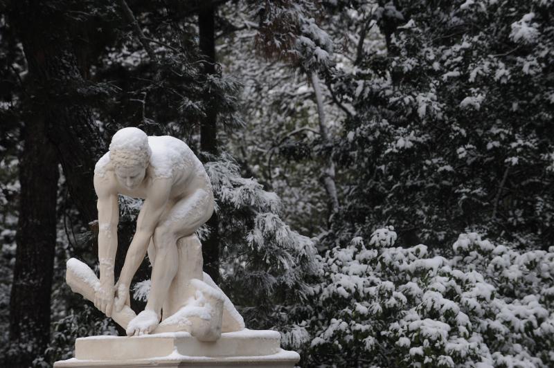 xionia-athina-kentro-topio-entiposiakes-eikones-8 Δέκα «κλικ» για την άσπρη μέρα της Αθήνας [εικόνες]