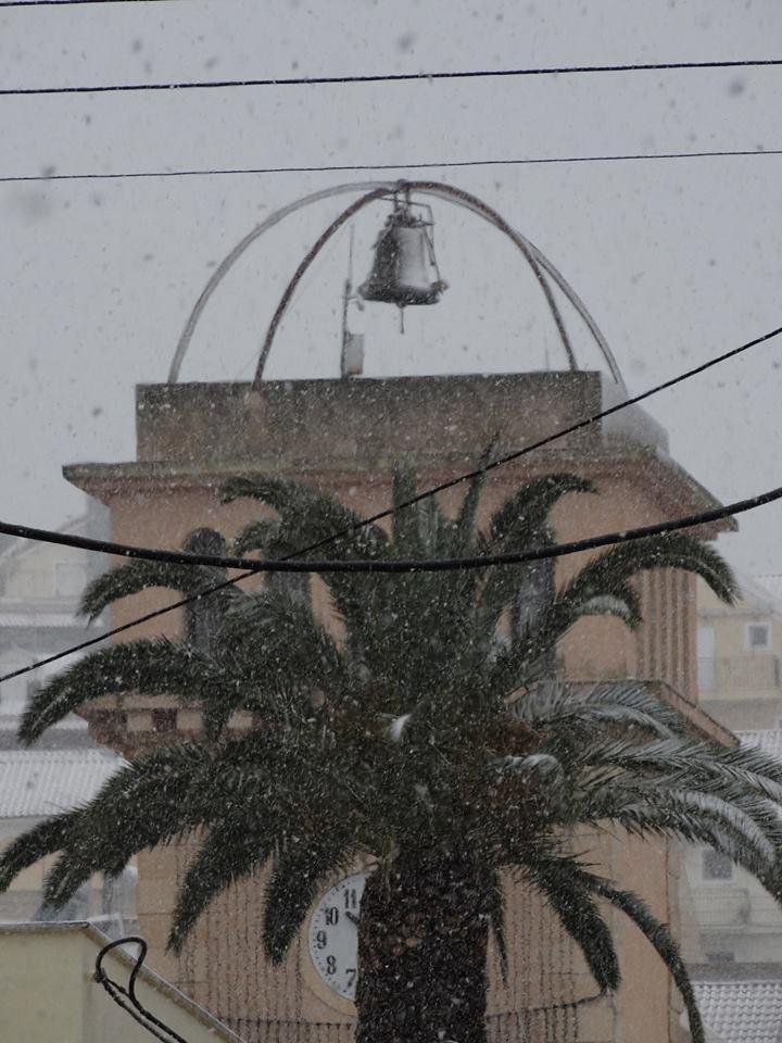 xionia_argostoli-4 Ανυποχώρητος ο χιονιάς - Τρεις νεκροί και τεράστια προβλήματα σε όλη τη χώρα [εικόνες]
