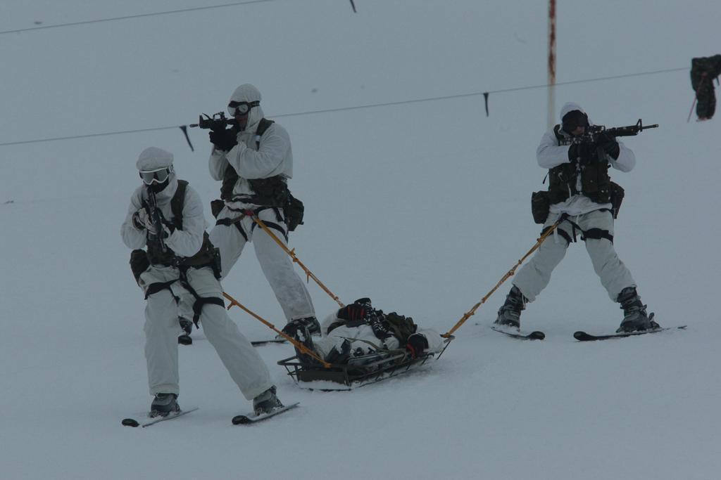 3_412 Ετσι εκπαιδεύονται οι Ελληνες καταδρομείς στα χιόνια [εικόνες]