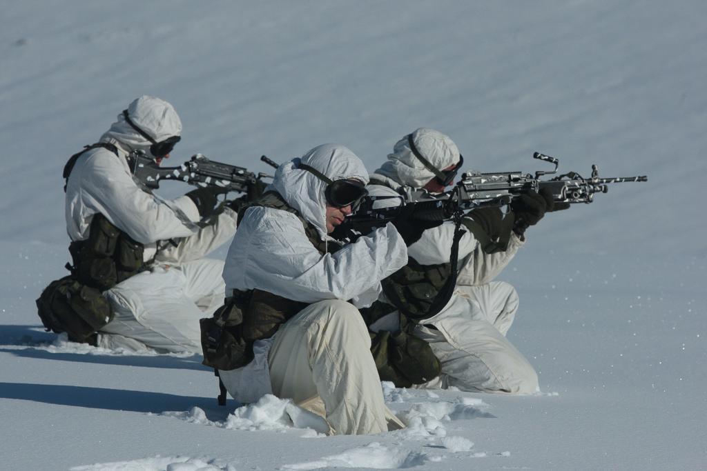 7_225 Ετσι εκπαιδεύονται οι Ελληνες καταδρομείς στα χιόνια [εικόνες]