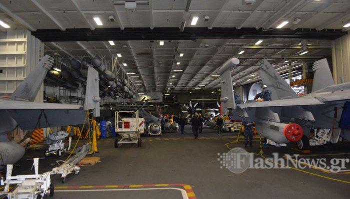 aeroplanoforo1 Περιήγηση σε μια πλωτή πολιτεία: Δείτε το εσωτερικό του αεροπλανοφόρου USS George H.W.