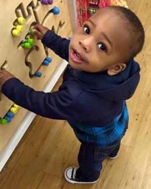 agori-ipa-pirovolismoi Αγόρι 2 χρονών και η έγκυος θεία πυροβολήθηκαν σε ζωντανή σύνδεση στο Facebook [βίντεο]