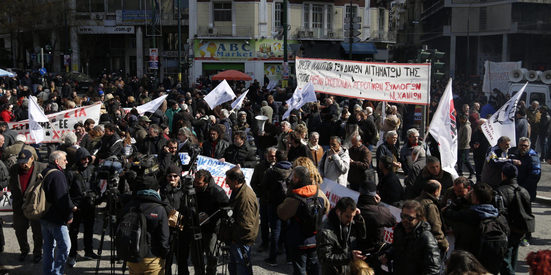 agrotes-sullaritirio-athina-1000 Στην Βουλή οι αγρότες – Σε εξέλιξη το μεγάλο συλλαλητήριο