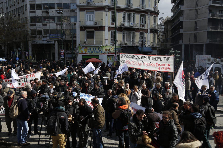 agrotes-sullaritirio-athina-1300-5 Στην Βουλή οι αγρότες – Σε εξέλιξη το μεγάλο συλλαλητήριο
