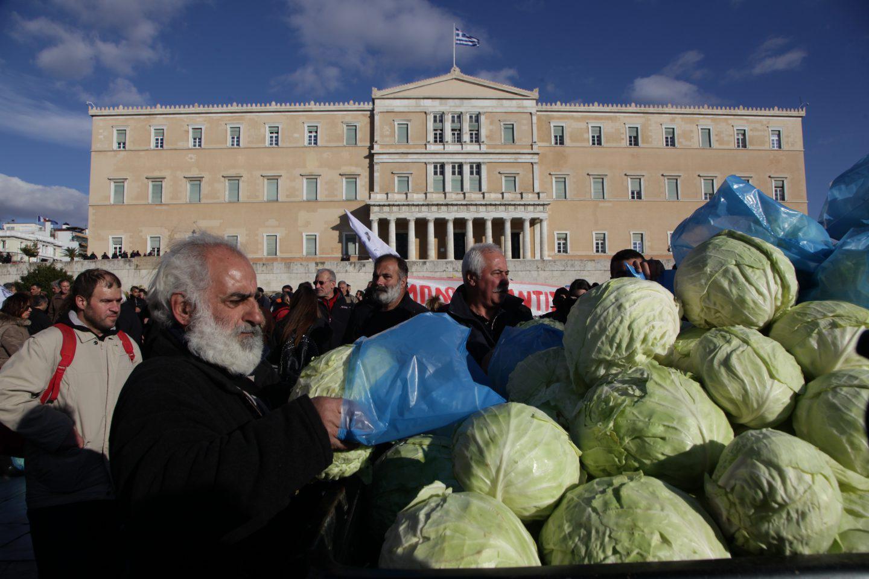 agrotes11-500 Ολοκληρώθηκε το παναγροτικό συλλαλητήριο [εικόνες]