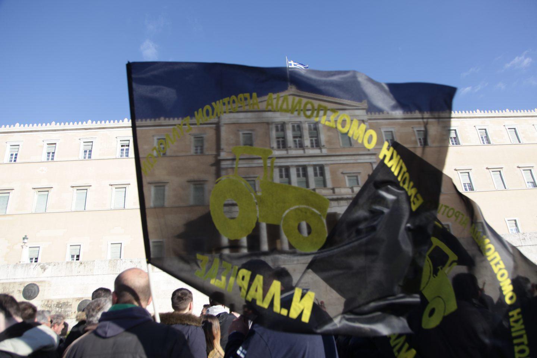 agrotes19-500 Ολοκληρώθηκε το παναγροτικό συλλαλητήριο [εικόνες]