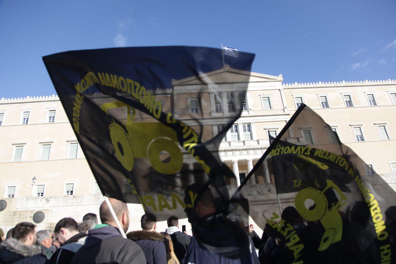 agrotes26-500 Ολοκληρώθηκε το παναγροτικό συλλαλητήριο [εικόνες]