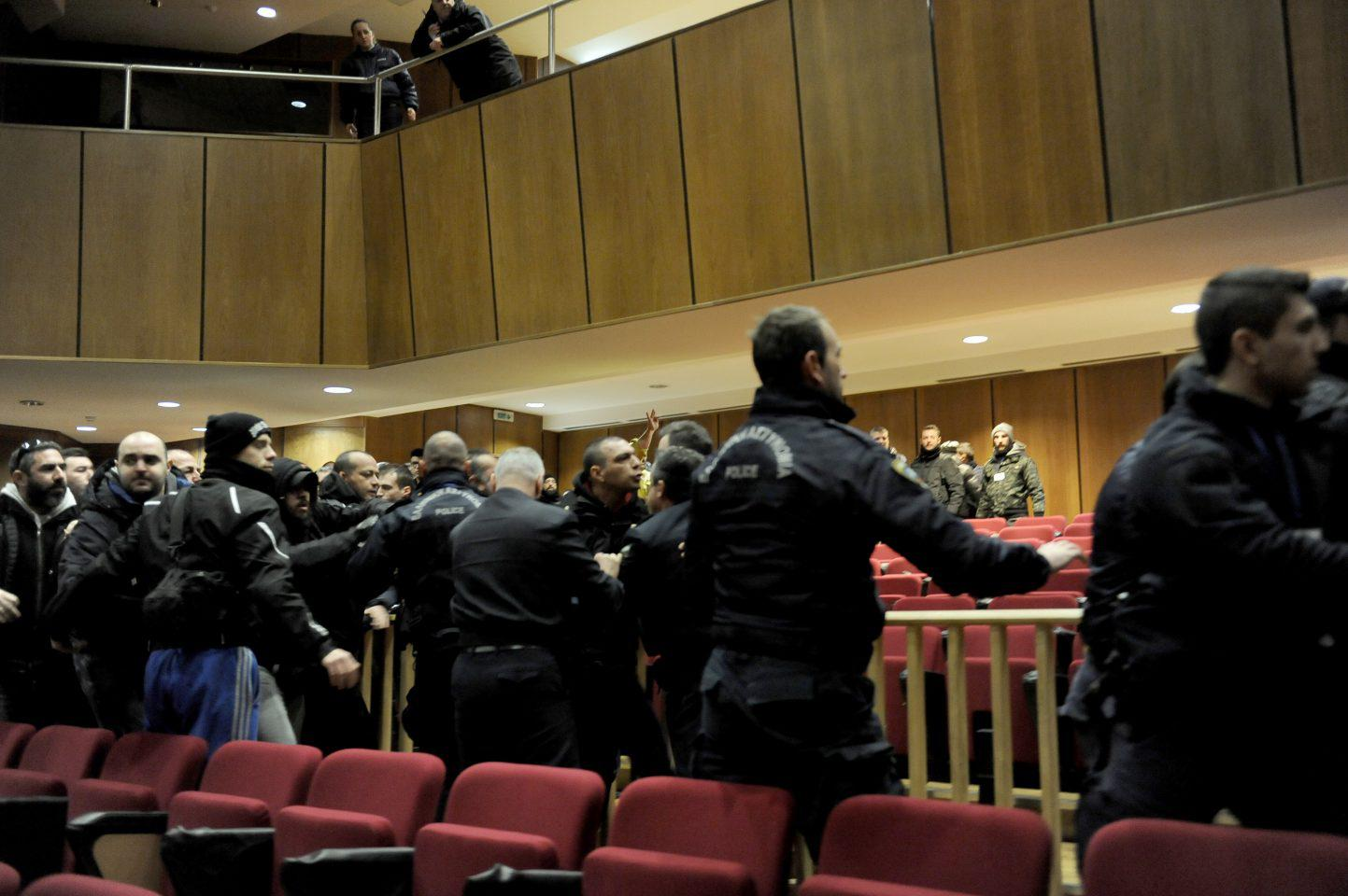 diki-xa-epeisodia-1300-7 Η Μάγδα Φύσσα θα καταθέσει μήνυση για τα επεισόδια στη δίκη της Χρυσής Αυγής