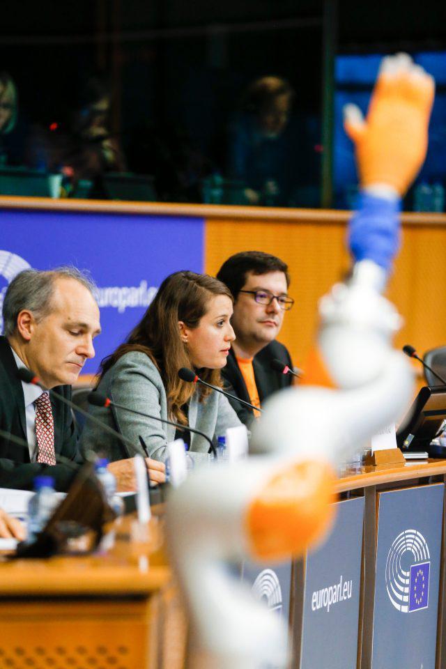 ee-robotmellon Η Ευρώπη αντιμέτωπη με το ρομποτικό μας μέλλον [εικόνες]