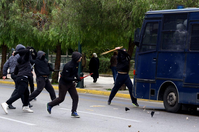 epeisodia Ένταση στο μαθητικό συλλαλητήριο στην Αθήνα [εικόνες]