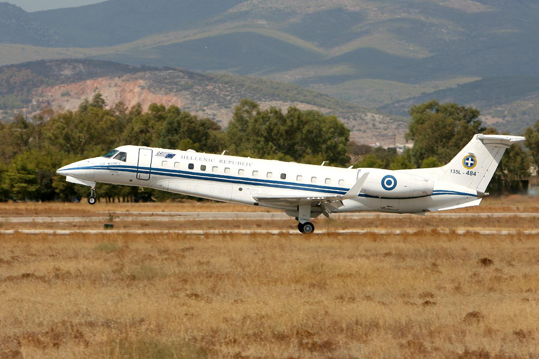 erj-135l-4 Έχω και πρωθυπουργικό αεροπλάνο, πάμε μια βόλτα; - Οι αμαρτωλές ιστορίες στον αέρα