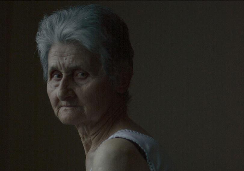 giagia-vogue-13.2.2017 Η 74χρονη γιαγιά από την Πέλλα που πόζαρε για την Vogue και έγινε viral