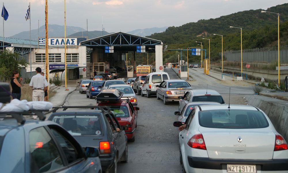 Ουρές χιλιομέτρων στην Κακαβιά – Μόνο με αρνητικό τεστ η είσοδος στη χώρα