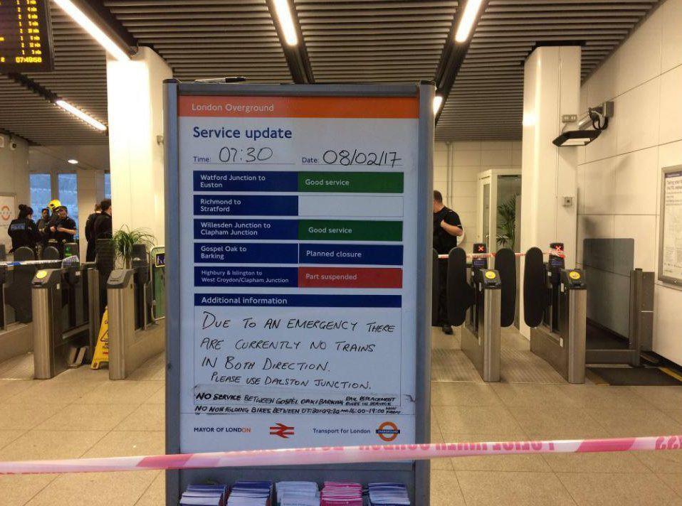 londino-treno1 Τρεις τραυματίες από ισχυρή έκρηξη σε σταθμό τραίνου στο Λονδίνο [εικόνες & βίντεο]