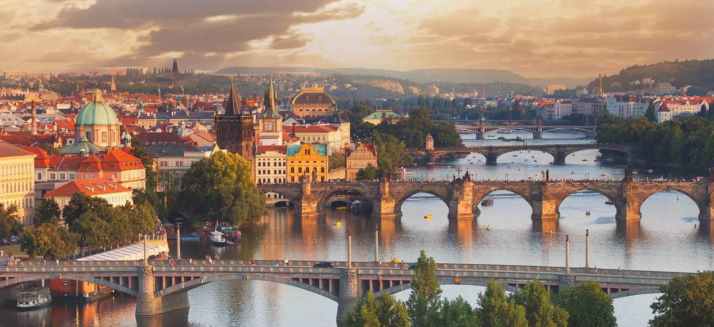 Η Πράγα «πνίγεται» στους τουρίστες: Έχει 1,3 εκατ. κατοίκους και δέχεται οκτώ εκατομμύρια ξένους