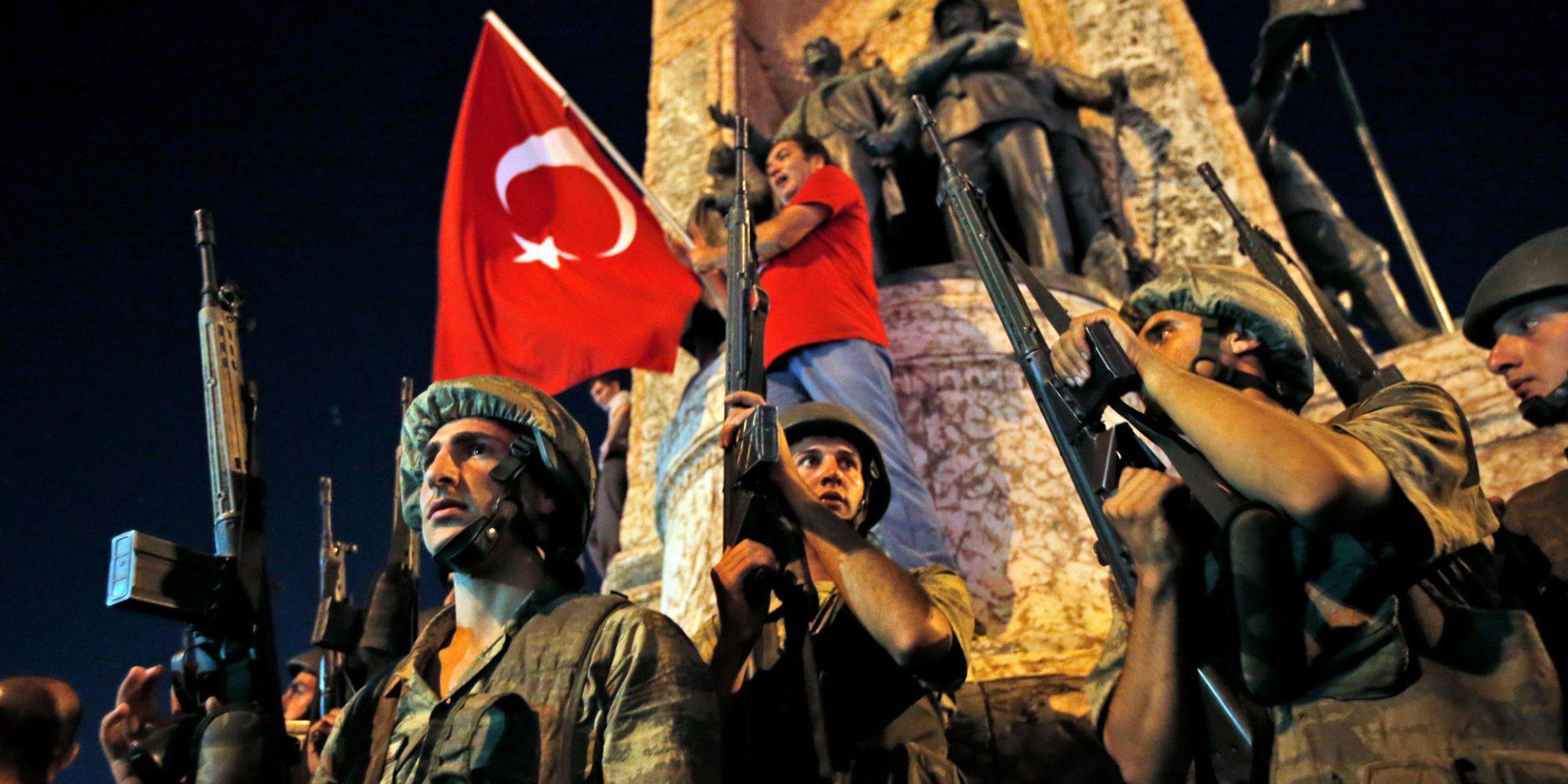 Τουρκία: Σε ισόβια 22 απόστρατοι στρατιωτικοί για το αποτυχημένο πραξικόπημα του 2016