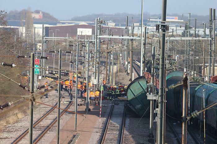 treno-sugkrousi-louksemvourgo-3 Ένας νεκρός και 6 τραυματίες από σύγκρουση τρένων στο Λουξεμβούργο [εικόνες]