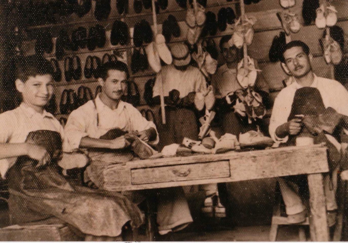tsagkaris Επαγγέλματα από το ελληνικό παρελθόν που δεν υπάρχουν πια