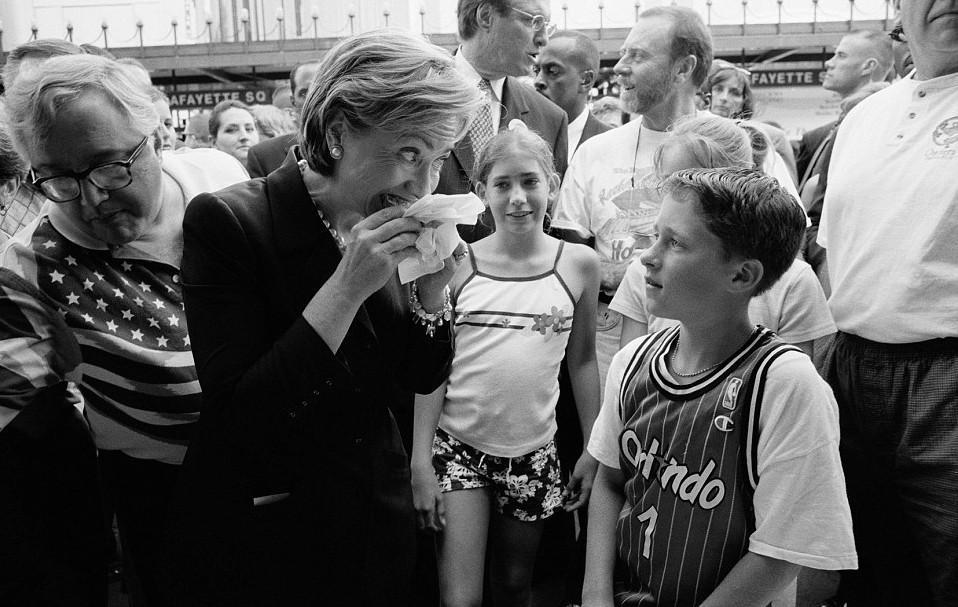 xilari-bill7-500 Αυτές είναι οι 15 άγνωστες φωτογραφίες της Χίλαρι Κλίντον ως Πρώτη Κυρία