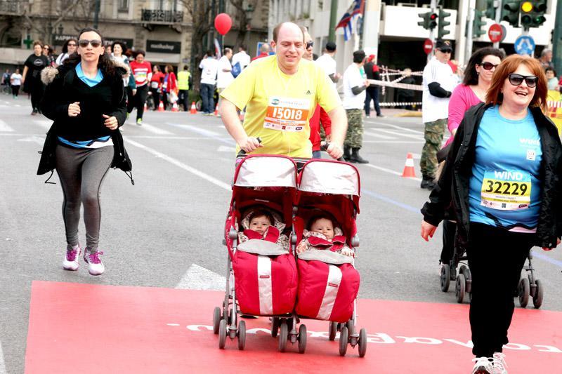mar7 Ημιμαραθώνιος Αθήνας: Στο τρέξιμο πολιτικοί, γονείς, αθλητές και χιλιάδες κόσμου [εικόνες]