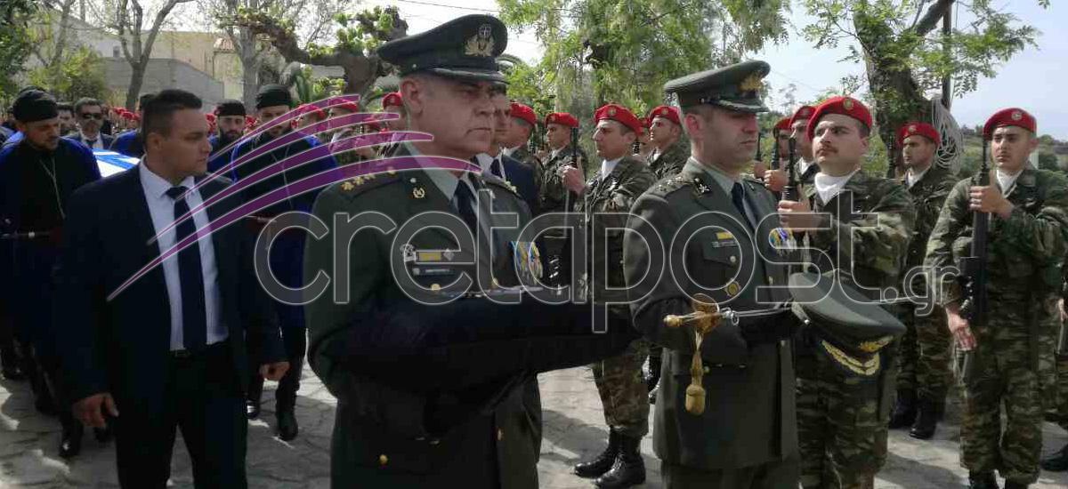 kideia1 Σπαραγμός στις κηδείες των στελεχών των Ενόπλων Δυνάμεων που σκοτώθηκαν με το μοιραίο Χιούι