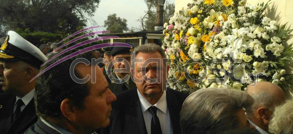 kideia7 Σπαραγμός στις κηδείες των στελεχών των Ενόπλων Δυνάμεων που σκοτώθηκαν με το μοιραίο Χιούι