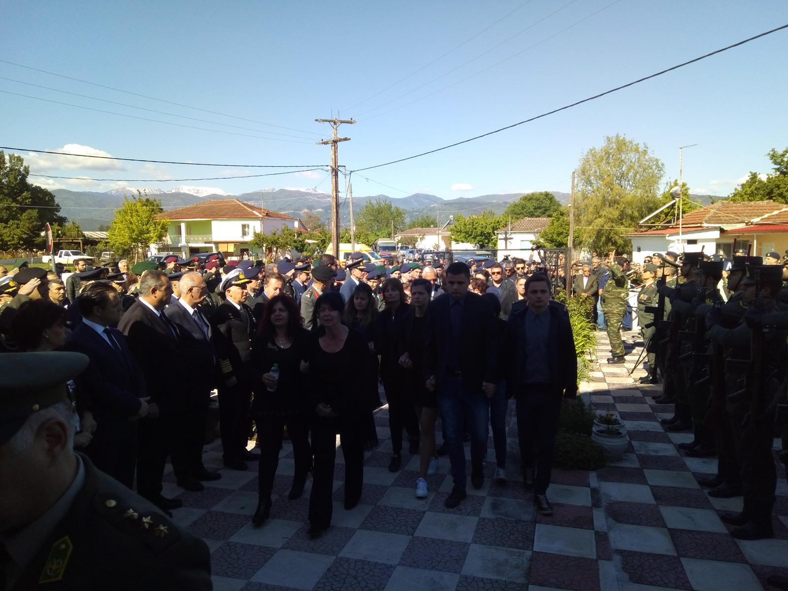 kidieia-paron-dyo Σπαραγμός στις κηδείες των στελεχών των Ενόπλων Δυνάμεων που σκοτώθηκαν με το μοιραίο Χιούι