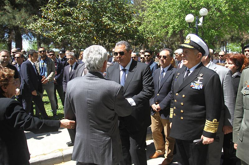kk_1 Θρήνος στην κηδεία του κυβερνήτη του μοιραίου ελικοπτέρου [εικόνες & βίντεο]