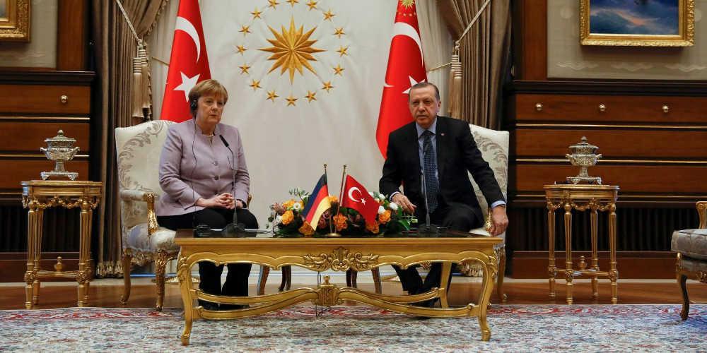 Σφοδρή επίθεση Μέρκελ στην Τουρκία για την Αφρίν