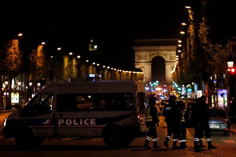 par2 Αυτός είναι ο τζιχαντιστής που επιτέθηκε σε αστυνομικούς στο Παρίσι [εικόνες]