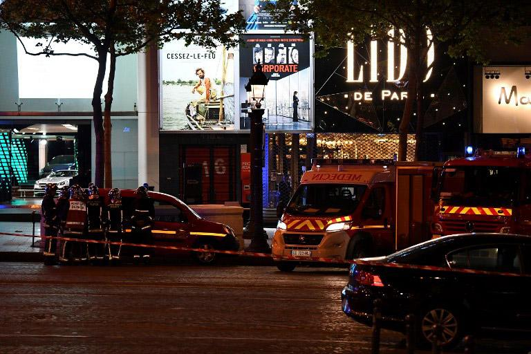 par3 Αυτός είναι ο τζιχαντιστής που επιτέθηκε σε αστυνομικούς στο Παρίσι [εικόνες]