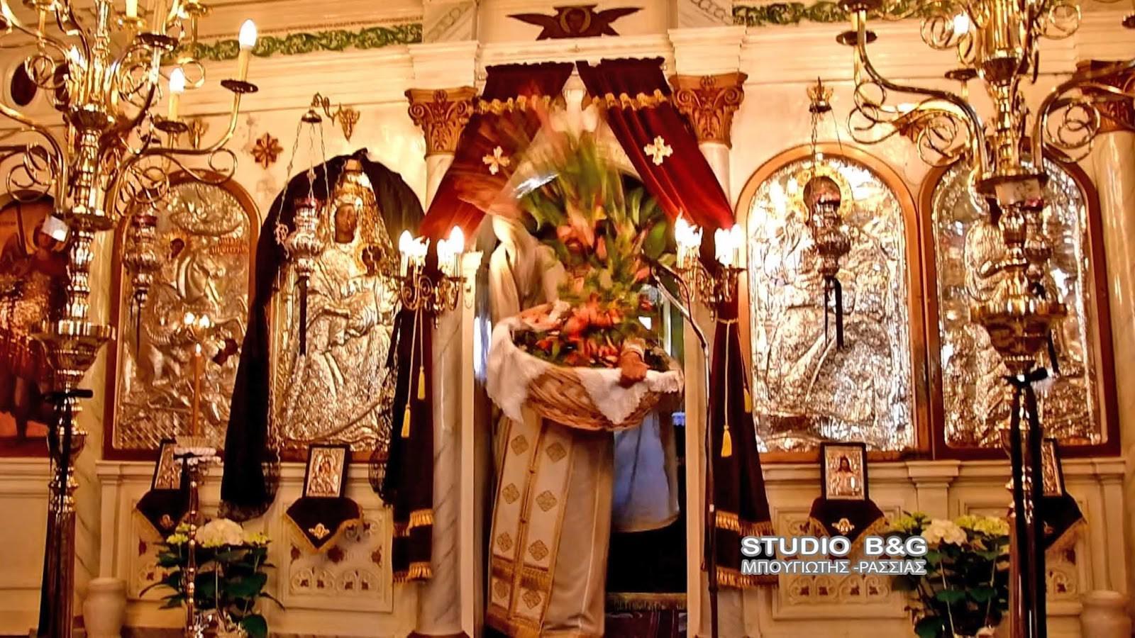 pasxa3 Με σφυριά, κατσαρόλες και κουτάλια η Πρώτη Ανάσταση στο Ναύπλιο [βίντεο]