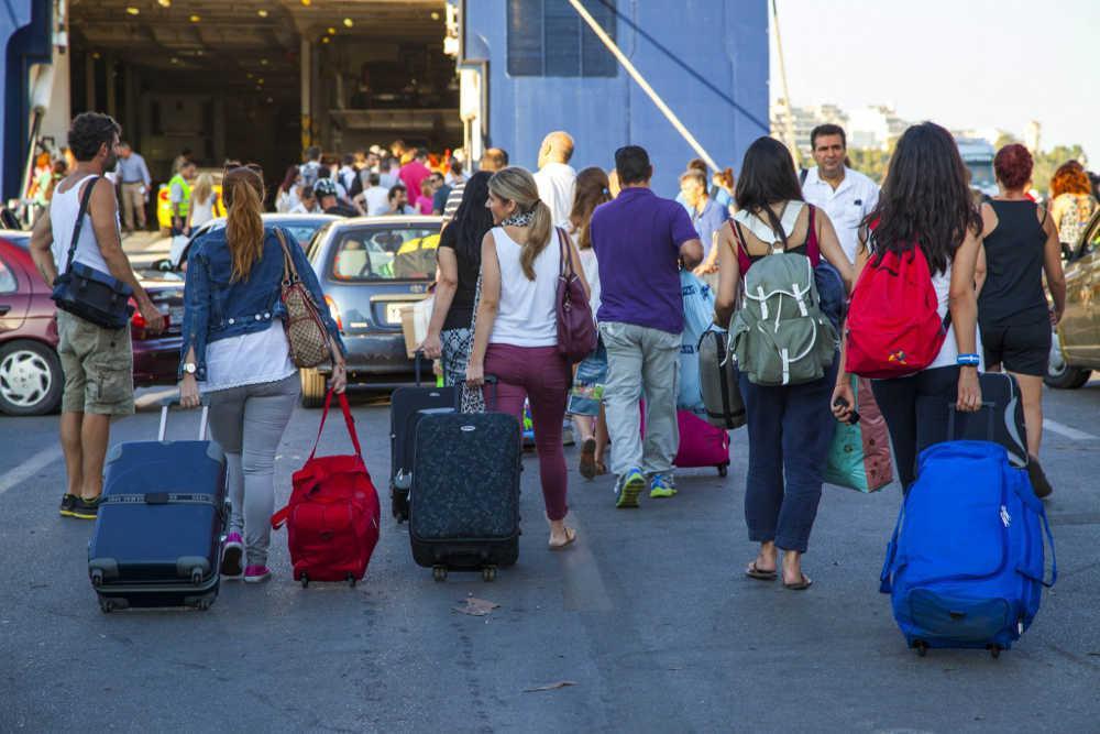 Κορωνοϊός: «Καμπανάκι» από το ΠΟΥ σε ταξιδιώτες - Να έχετε τα μάτια σας δεκατέσσερα υπάρχουν ανοδικές τάσεις