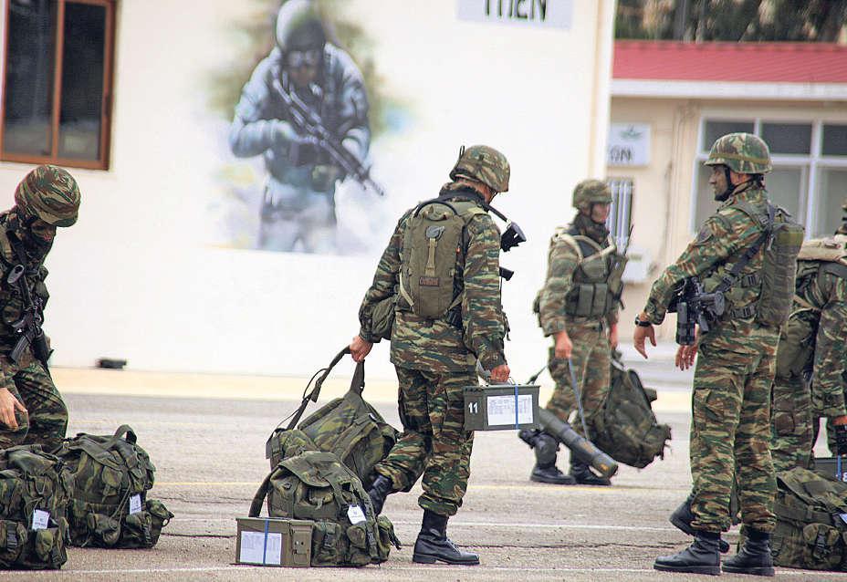 Στρατιωτική θητεία: 12 μήνες από τον Μάιο - Ποιοι θα μπορούν να κάνουν 9μηνο