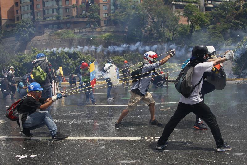 feces συνεχίζεται το χάος στην βενεζουέλα: ακόμα δύο νεκροί στα επεισόδια [εικόνες & βίντεο>