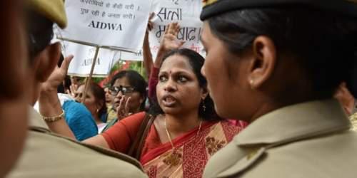 Ινδική γυναίκα πίπα