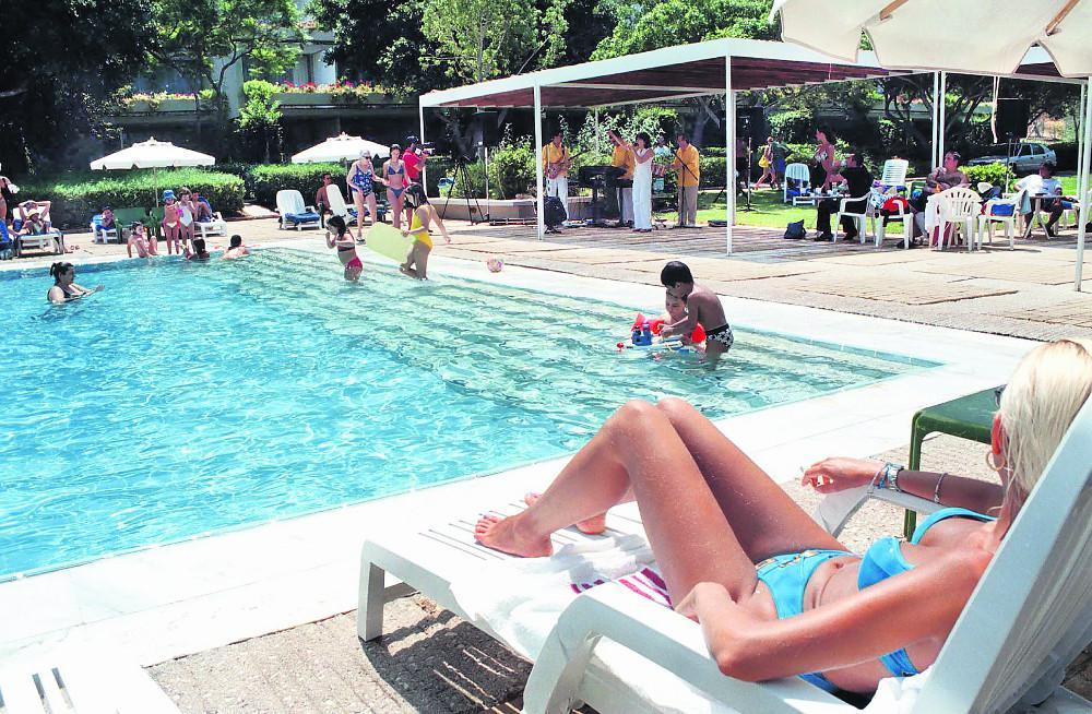Κορωνοϊός: Πώς να κάνουμε ασφαλείς διακοπές – Τι πρέπει να προσέχουμε