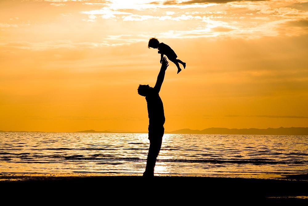 Όλες οι αλλαγές που έρχονται για τις γονικές άδειες