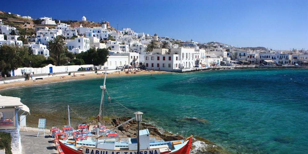Bloomberg: Μεγαλες συνέπειες για τον τουρισμό στην Ελλάδα από άτακτο Brexit
