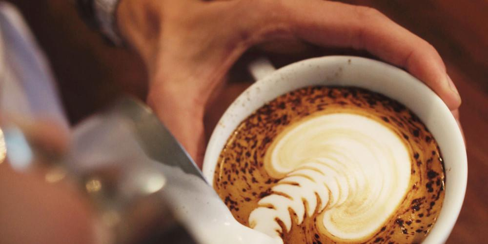 Πιες καφέ και απόφυγε το κρέας: Σώζεις την καρδιά σου