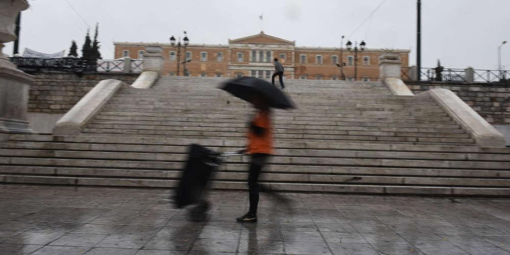 Πρόγνωση καιρού: Συνεχίζονται οι θυελλώδεις άνεμοι την Κυριακή με μικρή άνοδο της θερμοκρασίας