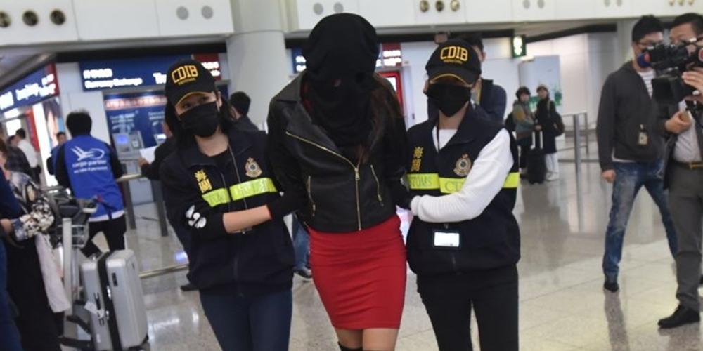 Φωτογραφίες-ντοκουμέντο: Το 19χρονο μοντέλο λίγο πριν συλληφθεί στο Χονγκ Κονγκ με την κοκαΐνη
