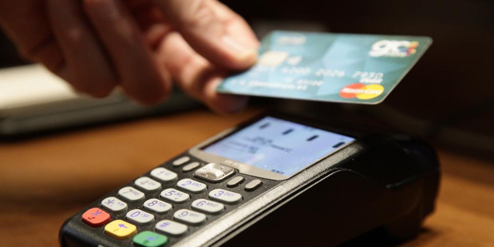 «Έπεσε» το σύστημα ΔΙΑΣ: Προβλήματα στις συναλλαγές με κάρτες [βίντεο]