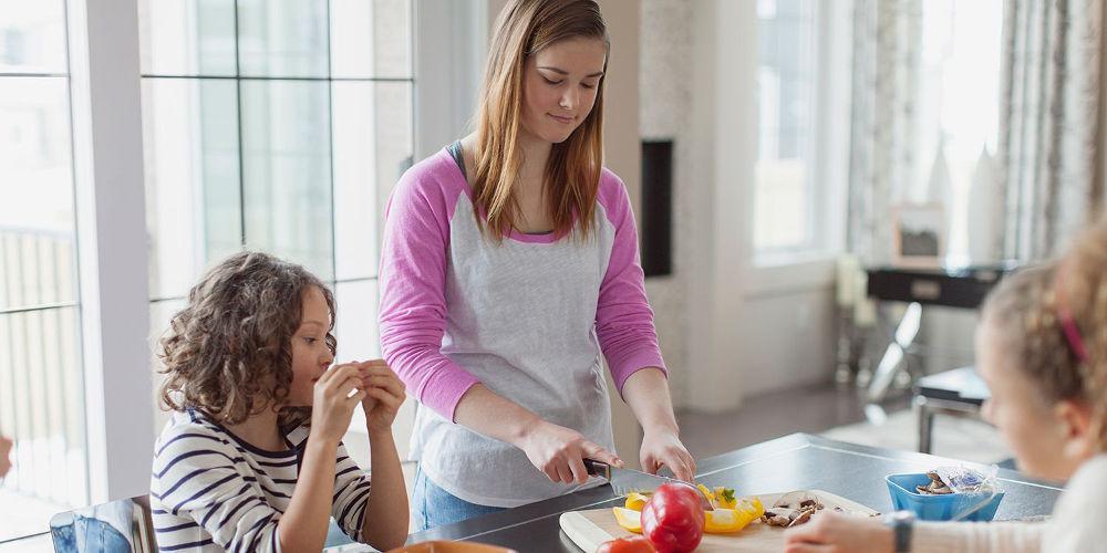 Babysitter 3 σε 1 ψάχνουν για τα παιδιά οι Έλληνες γονείς