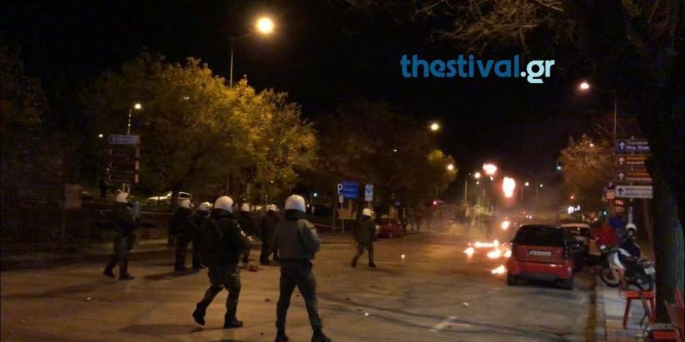 Επεισόδια στην πορεία για τον Γρηγορόπουλο στην Θεσσαλονίκη [βίντεο]