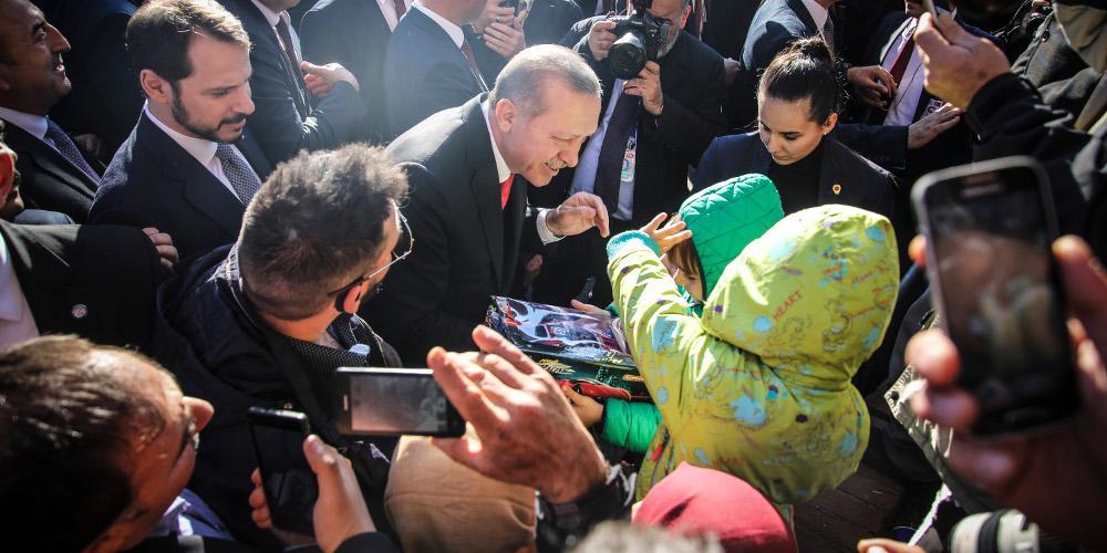 Ερντογάν σε μαθητές στην Θράκη: Όλοι μαζί είμαστε Τουρκία [βίντεο]