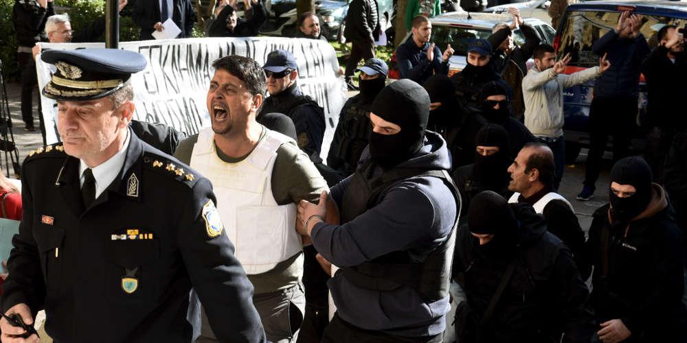 Αθώοι οι εννέα Κούρδοι που κατηγορούνταν για τρομοκρατία - Είχαν συλληφθεί όταν ο Ερντογάν επισκέφτηκε την Ελλάδα