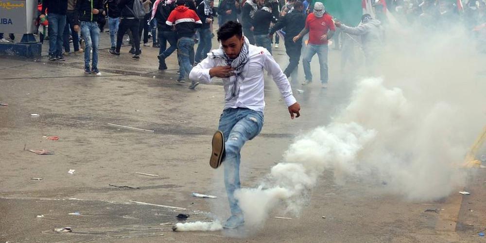 Σφοδρές συγκρούσεις σε διαδήλωση κοντά στην αμερικανική πρεσβεία του Λιβάνου